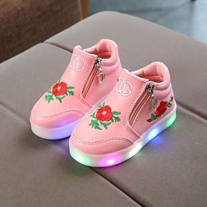 Picture of Fashionable Pink Flower Rose Shoes With Lighting
